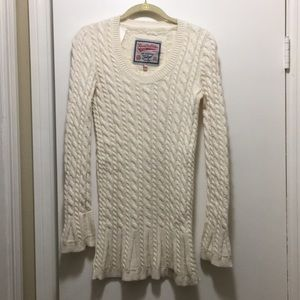 Superdry Knit Sweater in Cream - M